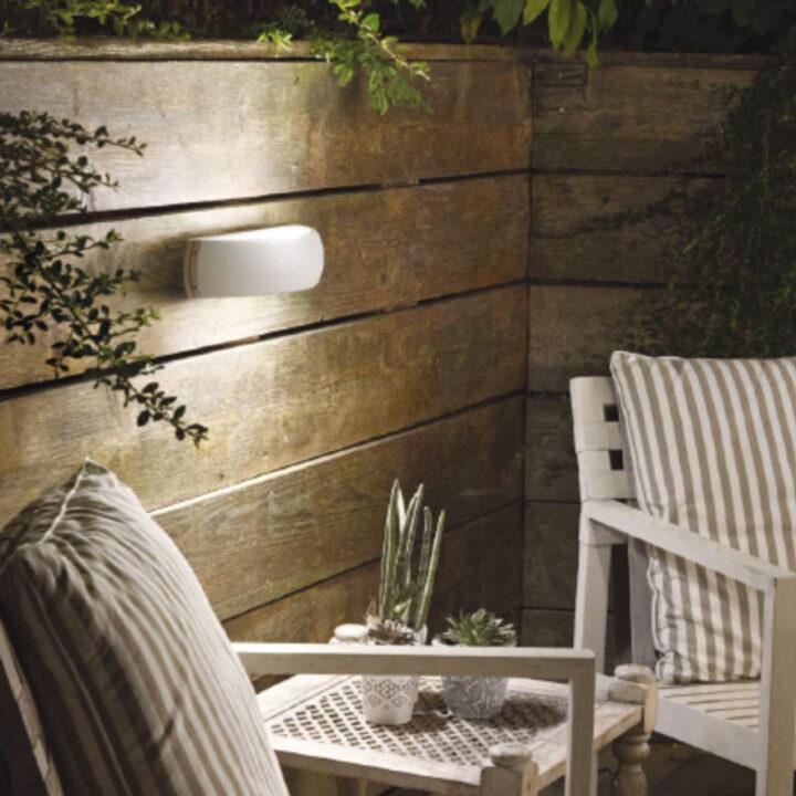 Applique-in-alluminio-verniciato-in-4-colori-antracitenero-biancocaffè-e-diffusore-in-vetro